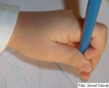 otrok levicar roka modra