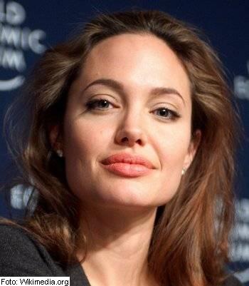 Angelina Jolie, mama